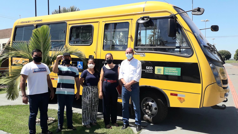 Município de Taquarussu é contemplado com novo ônibus para o transporte escolar